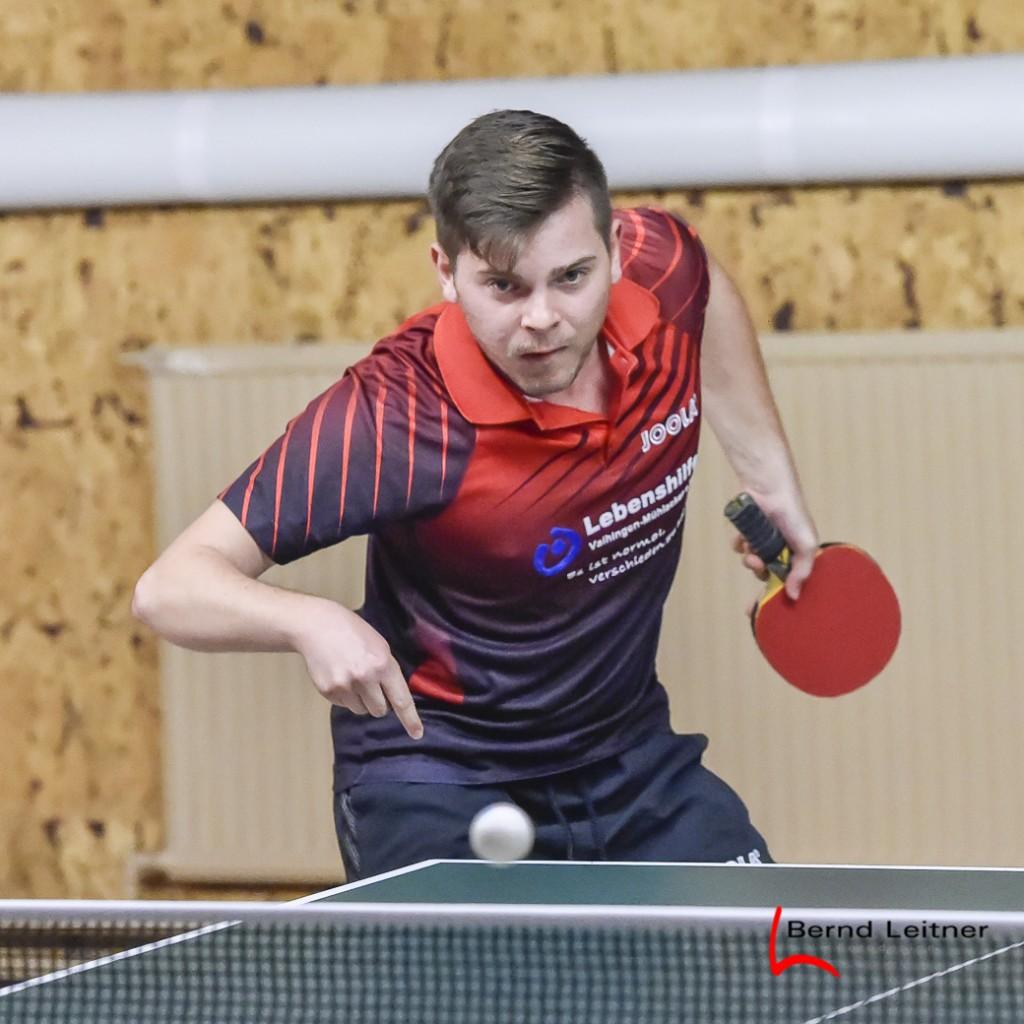 Johannes Lehrer spielt mit bisher 6 Einzelsiegen eine super Vorrunde in der Bezirksliga!